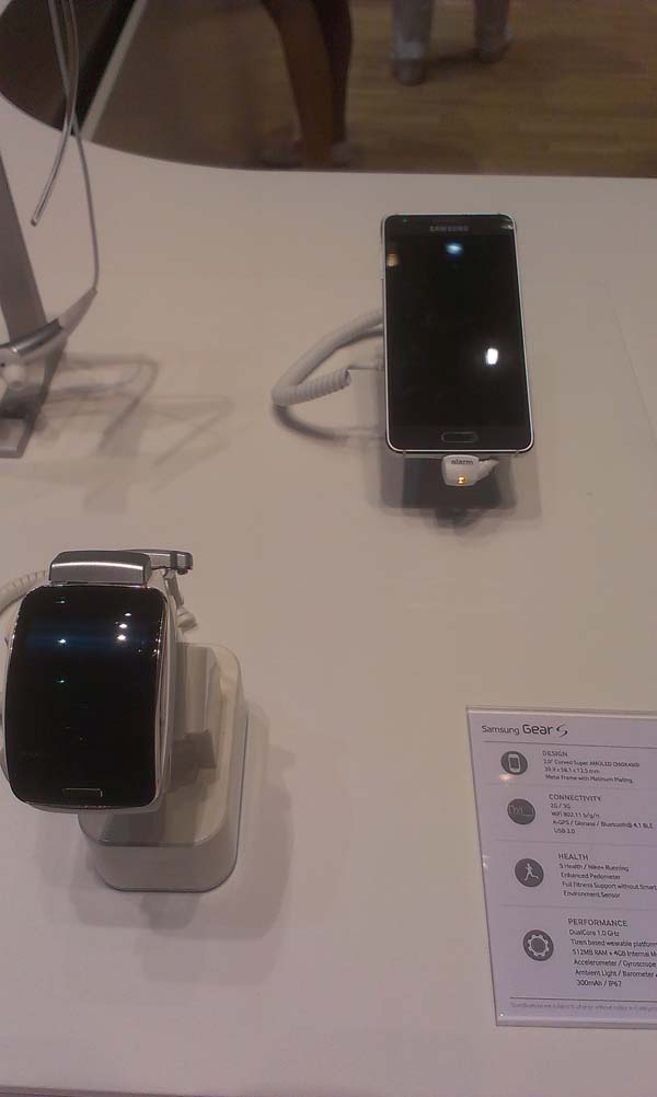 IFA2014-montres-watch-02