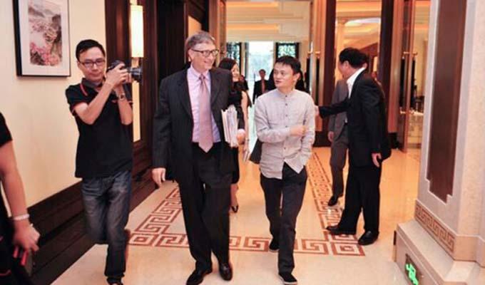Jack Ma en compagnie de Bill Gates (microsoft)