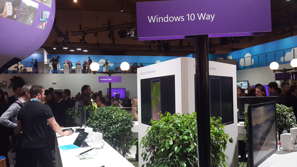 Windows 10 au Pavillon Microsoft du Mobile World Congress 2015