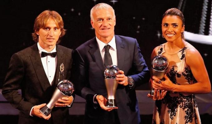 Deux nouveaux trophées seront attribués — Ballon d'Or